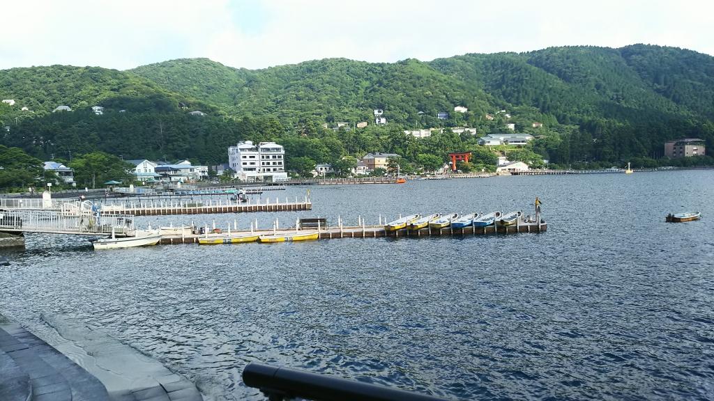 箱根神社近くからの芦ノ湖