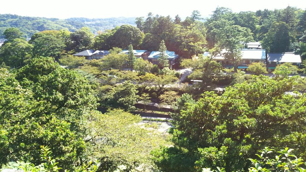 金沢城からの兼六園