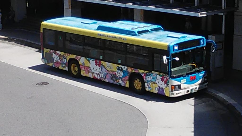 川崎市ハローキティバス