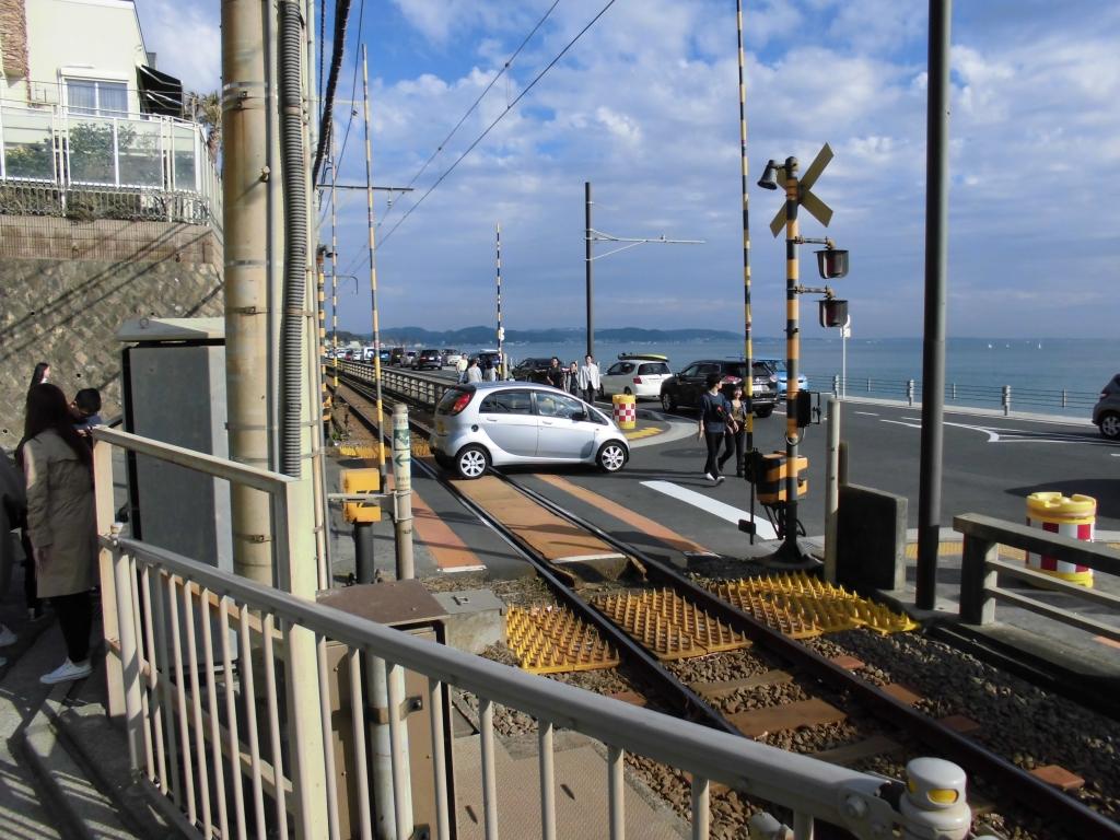 鎌倉高校前の踏切1