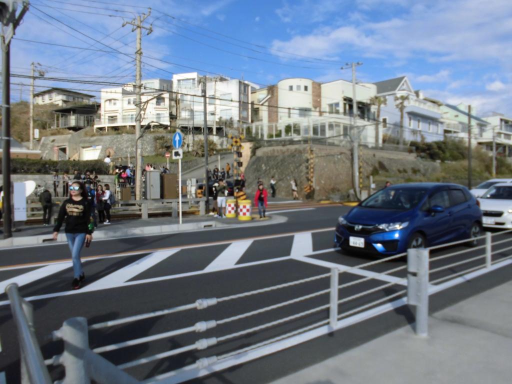 鎌倉高校前の踏切2