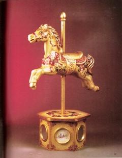 ゴールドの馬に描いたクリスマスボール