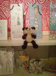 ジェフリーフルビマーリの新ショップ 代官山の店内から とてもステキなジェフリーのグッズたちに囲まれてます!!