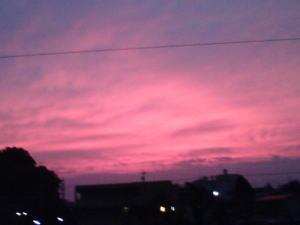 自宅のベランダからの夕焼け…