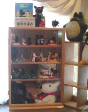出窓にはコレクションケース〜ガスパール&リサのプチコレクションが…!!