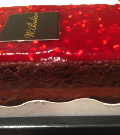 2年越しでやっと購入できたフランボワーズショコラケーキ!!
