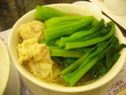 厨小麺粥苑のえびと青菜の麺
