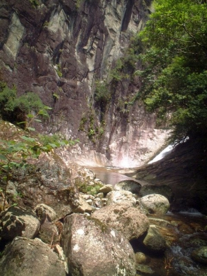 シャワークライミング 沢登り教室 ヤケベ岩とナメ滝