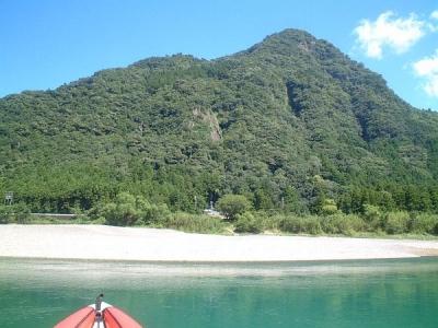 熊野川カヌーツアー 飛鉢峰と陰石