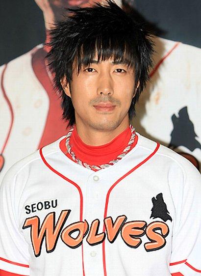 韓国ドラマ『2009アウトロー球団』のユン・テヨン