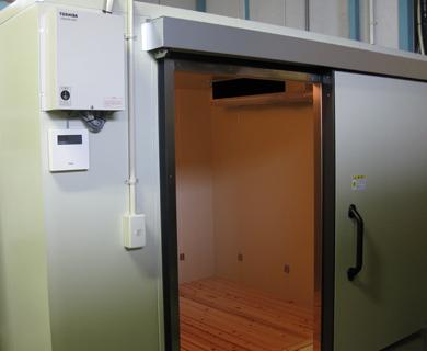 プレハブ冷蔵庫の入れ替え