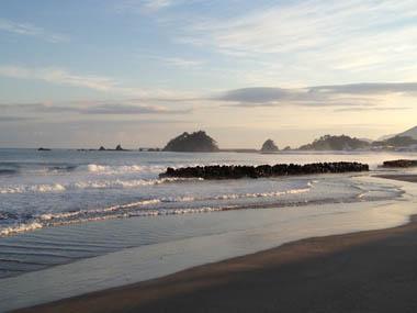 美しい若狭の砂浜