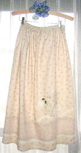 小桜刺繍スカート
