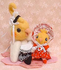 文化人形とウエイトレス