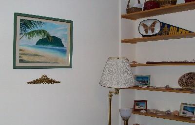 我が家のリビングにかけてある、サモアの絵。娘作
