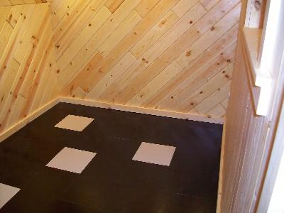 床材を貼り、完成