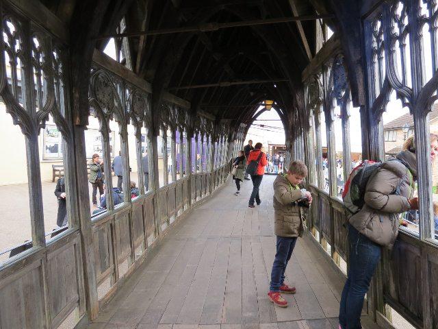 ホグワーツ魔法学校への入口にかかる橋