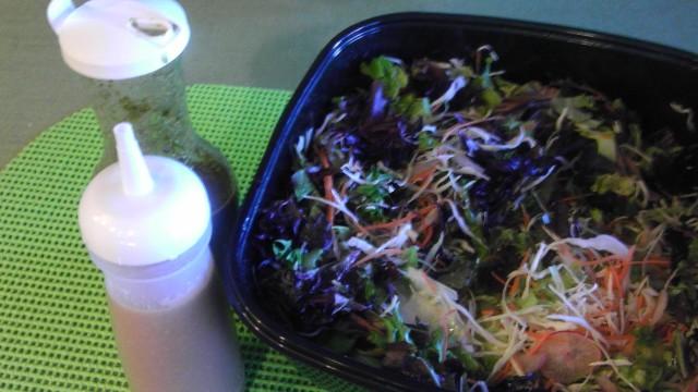冷蔵庫にはいつもこのサラダを作っておく