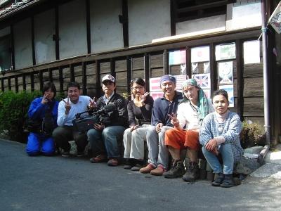 関西TVのスタッフと記念撮影