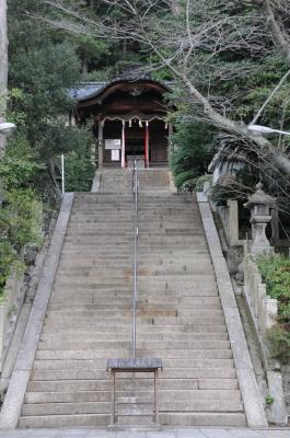 伊勢部柿本神社全景