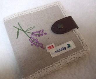 ラベンダー色のお財布