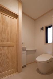 西河原高谷邸WC