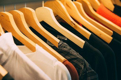 clothing-3301740__340.jpg