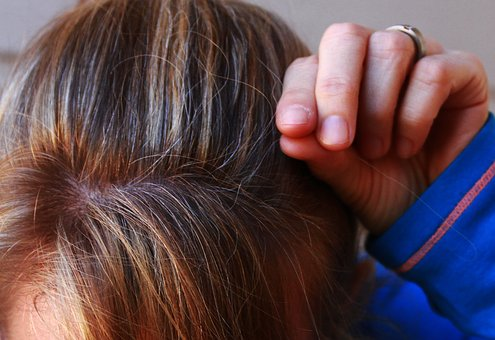 gray-hair-1720827__340.jpg