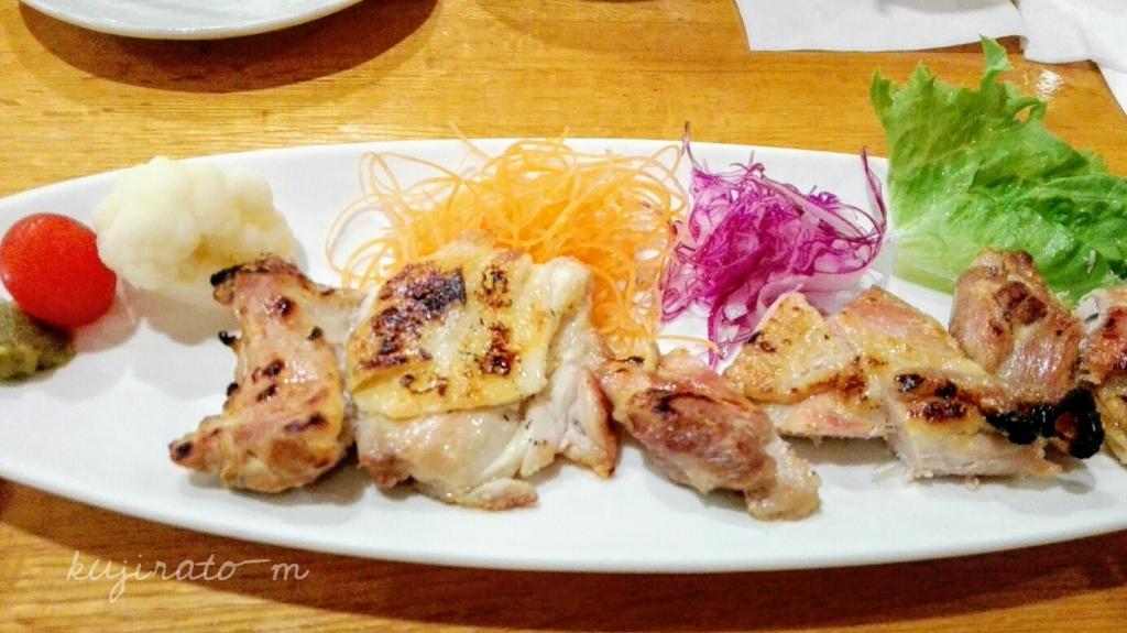 ヒルトンハワイアンビレッジ内、初花にて日本食。チキンの塩焼き
