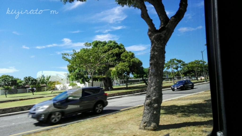 ヒルトンハワイアンビレッジの帰りのバスから。ハワイはずっとお天気でした。