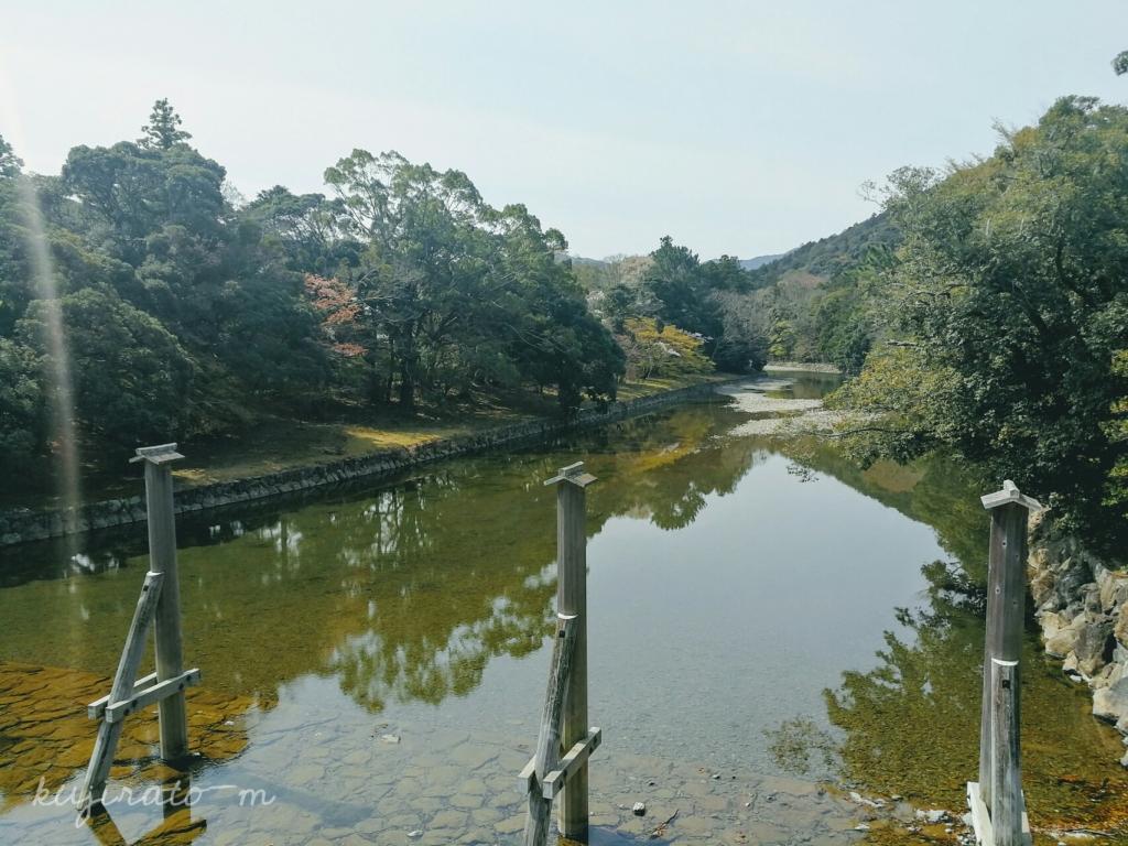 伊勢神宮の橋の上から見た風景