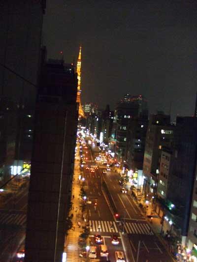 東京タワーと道路夜景