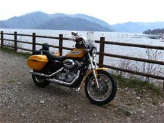 中禅寺湖で写真撮影
