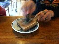 生わさびをすりおろして蕎麦の準備!