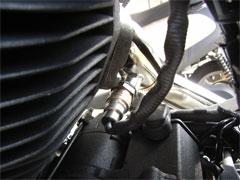 マフラーに排気センサーが装着されています。 ( リアシリンダー用 )