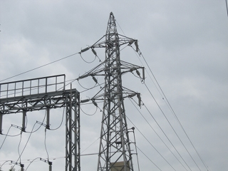 会社の変電所がトラブルで停電しちゃいました。 (>_<)