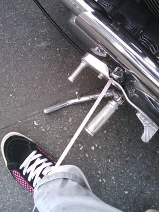 靴の紐がほどけちゃいました。 f(^^;