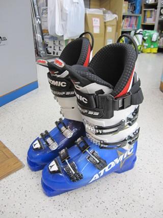 新しいスキーブーツ買っちゃいました。 f(^^;