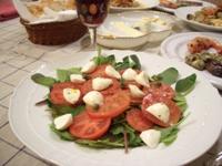 トマトとモツァレラのサラダ