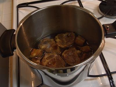 牛&豚バラ肉の煮込み フィスラー圧力鍋