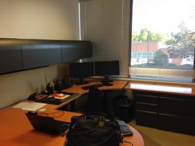 オフィス室内.JPG