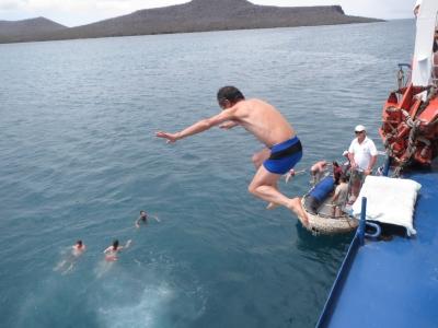 船からダイブ