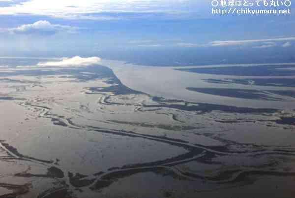 姿を変える巨大な水の流れ