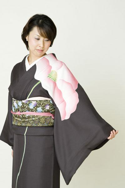ちなみにネタ元はこちら雑誌「InRed」で椎名林檎さんが着てた着物の色違い!
