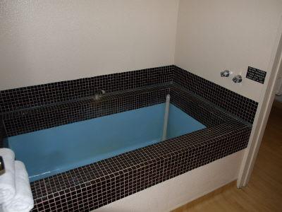広い浴場!><b