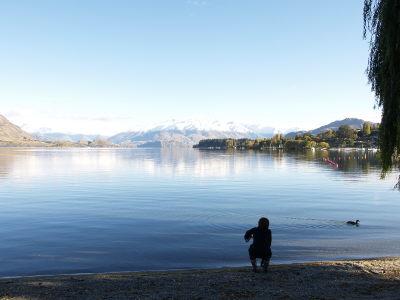 静かな湖畔の・・・