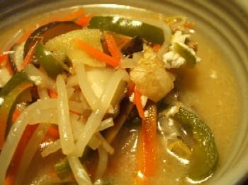 味噌味の中華スープ