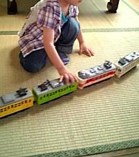 お下がりの電車のおもちゃ