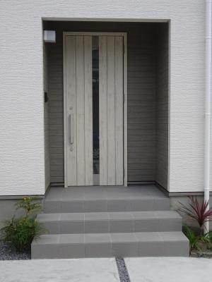 玄関ドア2.JPG