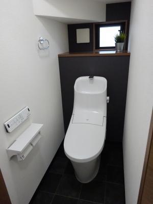 1階トイレ1.JPG